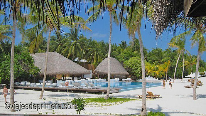 Si te preguntas qué meter en la maleta de Maldivas lo primero que no puede faltar es la crema para sol y para después del sol