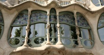 La fachada de la Casa Batlló le valió el sobrenombre de 'El Osario'