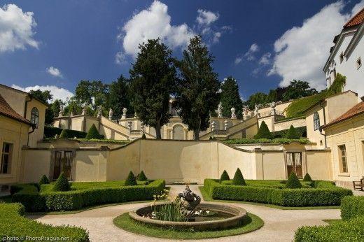 Los Jardines Vrtba son uno de los lugares que ver en Malá Strana, el segundo barrio más antiguo de Praga