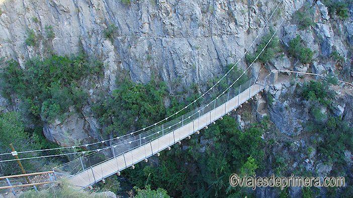 Ruta de los puentes colgantes de Chulilla, con alturas de más de 1 metros y longitudes de hasta 21