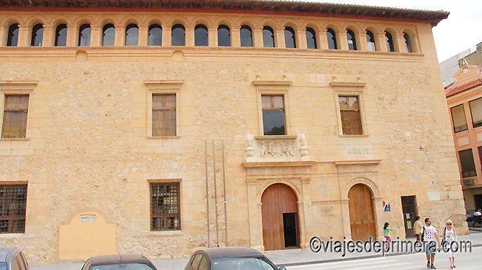 El Ayuntamiento de Llíria está en un palacio monumental