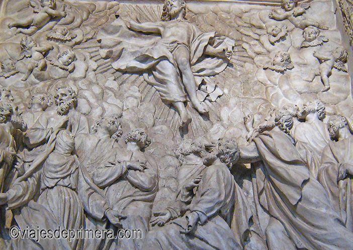 Curiosidades de la Catedral de Burgos: retablos pétreos de su trasaltar