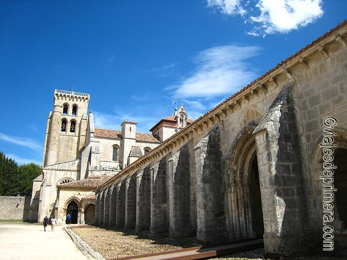El Monasterio de Santa María de Las Huelgas de Burgos fue fundado por Alfonso VIII y la reina Leonor de Plantagenet en el siglo XIII