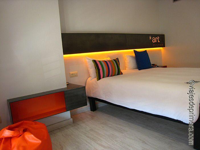 Las habitaciones del hotel Ibis Styles Arnedo de La Rioja están tematizadas en el mundo del calzado