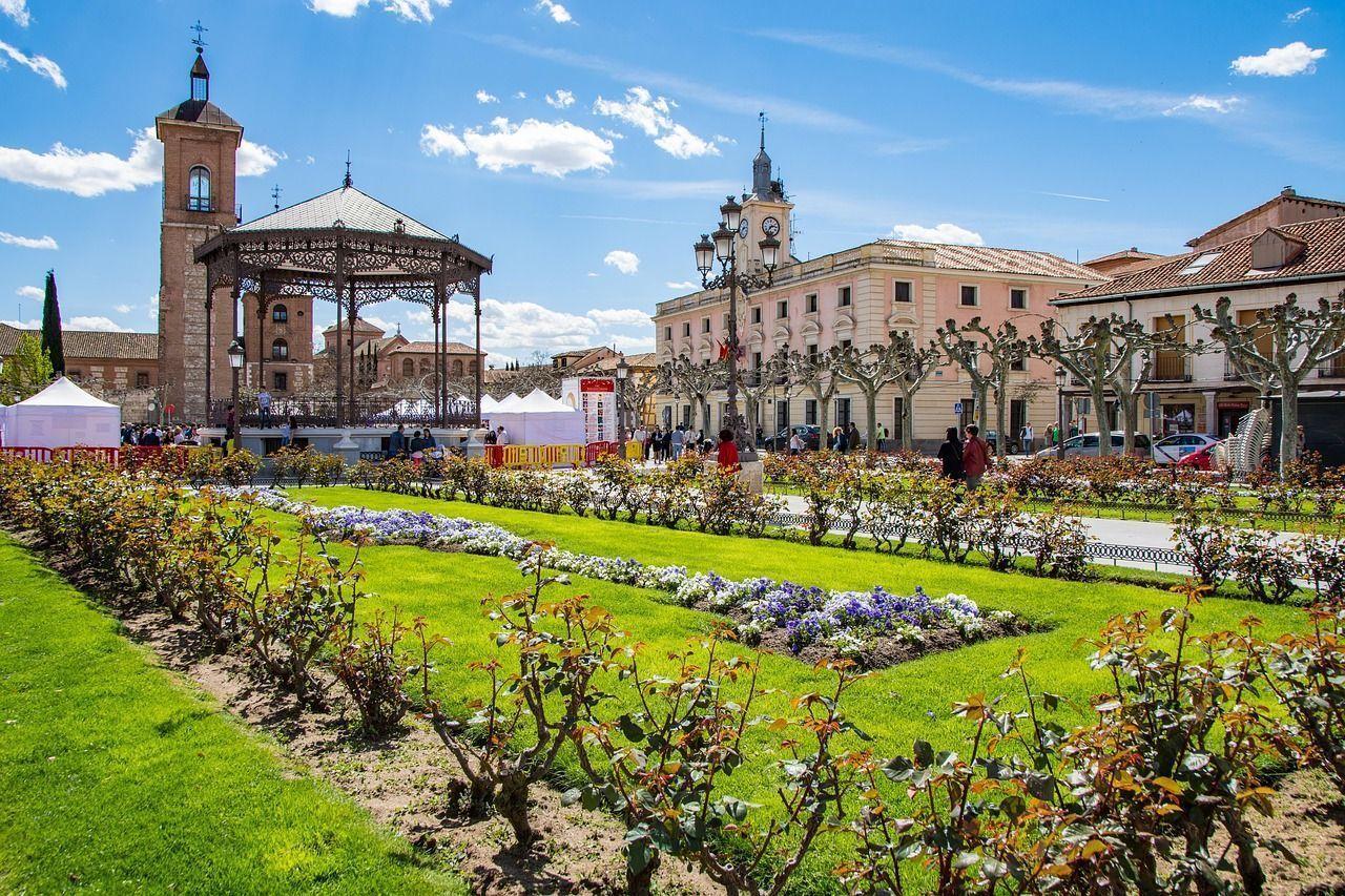 La Plaza de Cervantes es uno de los lugares que ver en Alcalá de Henares