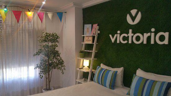 Una de las suites del Ibis Styles Arnedo, dedicada a la marca Victoria.