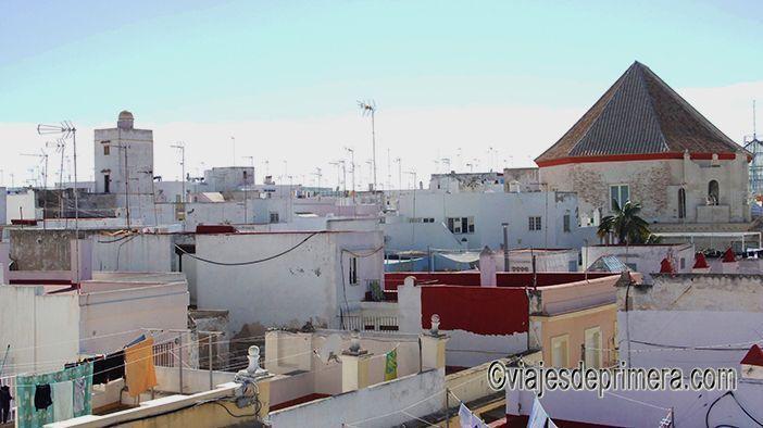 Ir a Cádiz en Carnaval es la mejor manera de conocer los lugares de interés de su casco histórico