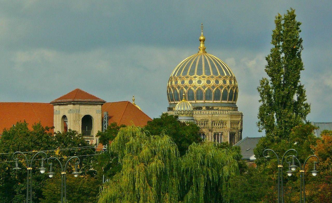 La Sinagoga Nueva de Berlín es uno de los ejes del Barrio Judío de Berlín.
