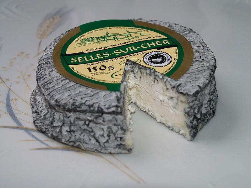 La gastronomía de Francia se distingue por quesos de extraordinaria calidad.