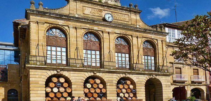 El Ayuntamiento de Haro es uno de los lugares que ver en la capital del Rioja