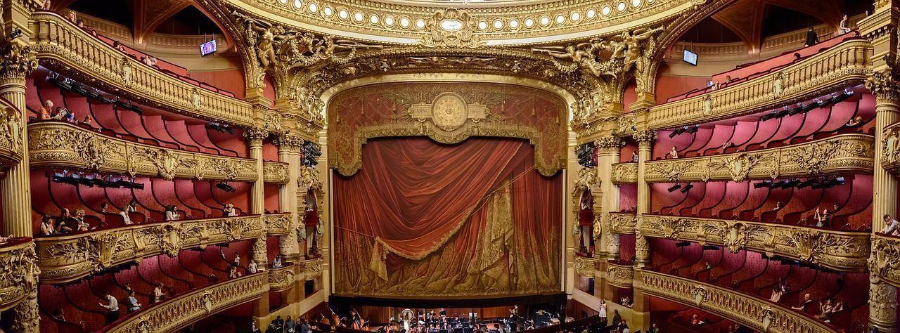 La ópera napolitana pasa por el Teatro de San Carlos, el más antiguo de Italia