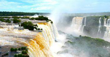 Las Cataratas de Iguazú están en el Parque Nacional de Iguazú, Patrimonio de la Humanidad desde 1985