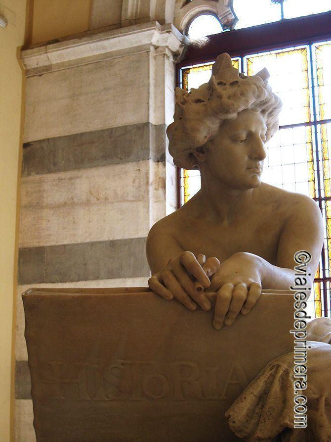Alegoría de la Historia en el Panteón de Hombres Ilustres de Madrid