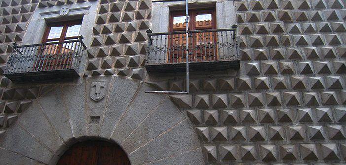 Casa de los Picos de Segovia, origen y significado