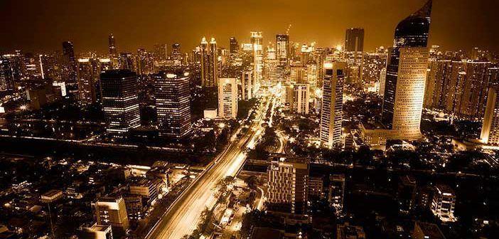 Por qué se hunde Yakarta