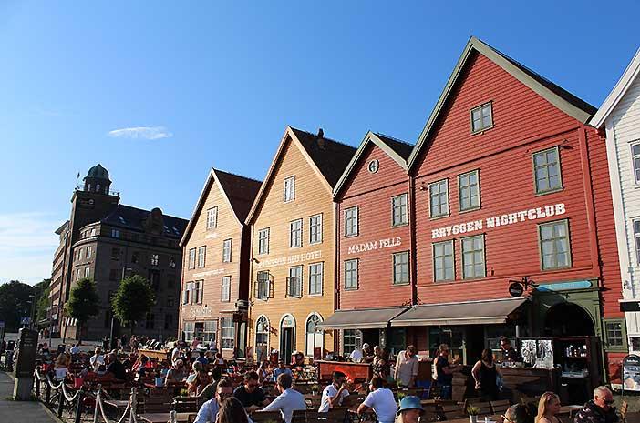 Puerto-de-Bryggen.Bergen.Noruega.