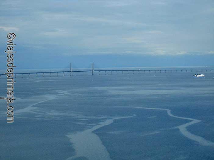 Visitar-Turning-Torso-para-tener-estas-vistas-del-Puente-Oresund