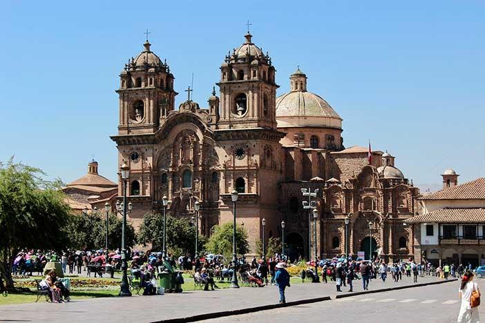 Cuál es el significado de Cuzco y Cusco